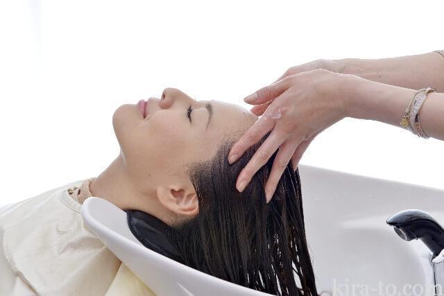 ヘッドスパで髪の抜けるのをふせぐ