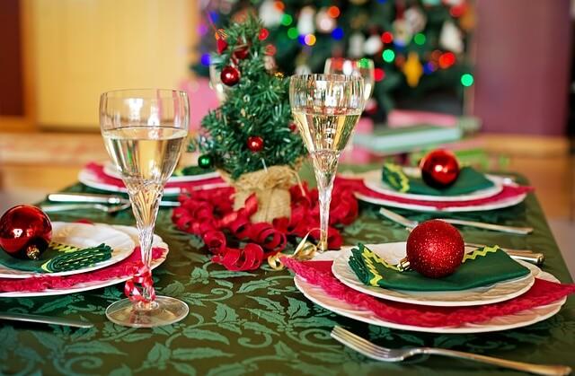 christmas-table-1909797_640