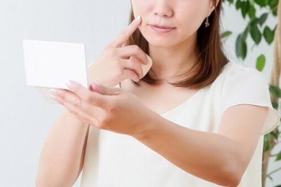 女性 肌 トラブル