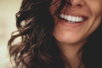 歯 女性 笑顔